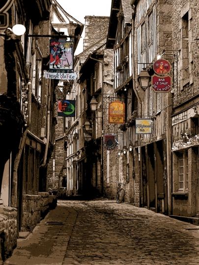 Dans la vieille ville de dinan - Piscine des canetons dinan ...